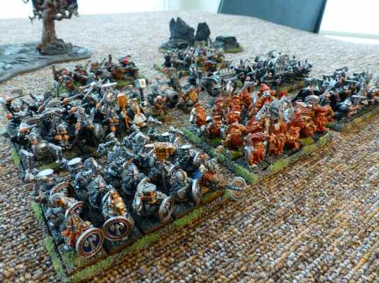 Warhammer Dwarf throng