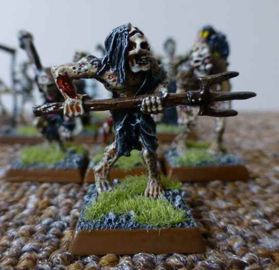 Oldhammer Zombie with pitchfork