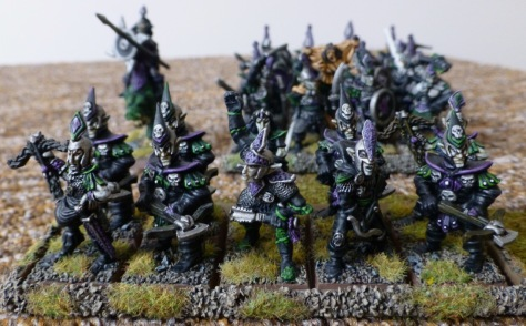 A 10-strong detachment of Dark Elves with crossbows