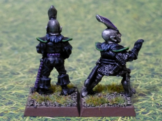 Rear view of the Dark Elf crewmen