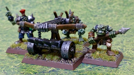 Wooden frame bolt thrower with three Orc crewmen