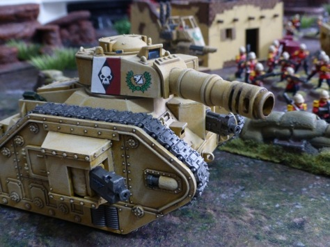 Tank with large calibre cannon
