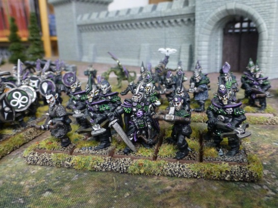 Two units of Dark Elves carrying crossbows