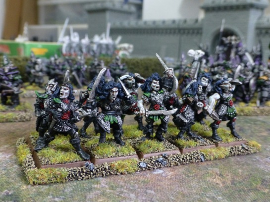 Unit of ten female Dark Elves in chainmail